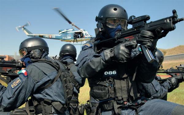 Arresti dell'antiterrorismo in corso. 10 in carcere. Italiani convertiti all'Islam e albanesi