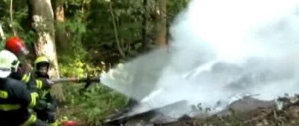 Slovacchia: strage in cielo. Due aerei si scontrano pieni di parà. 7 morti. 31 riescono a lanciarsi