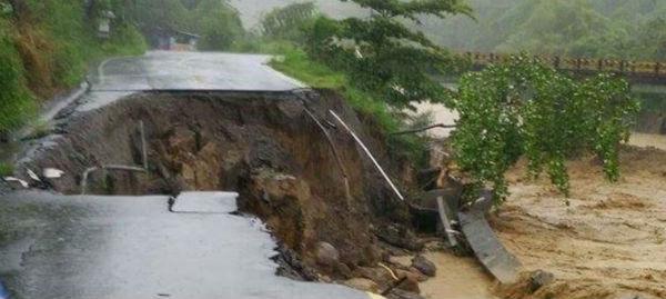 Uragano Erika colpisce violentemente la Dominica. 4 morti. Si teme per altri 20 dispersi