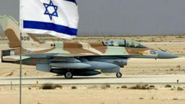 Israele bombarda in Siria in risposta ai missili sparati dal Golan