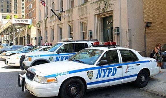 Nuova sparatoria  New York: uccisa guardia di sorveglianza. Suicida l'assalitore