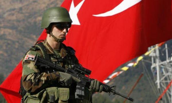 Attentato suicida contro militari turchi organizzato da miliziani curdi. 2 morti e 24 feriti civili