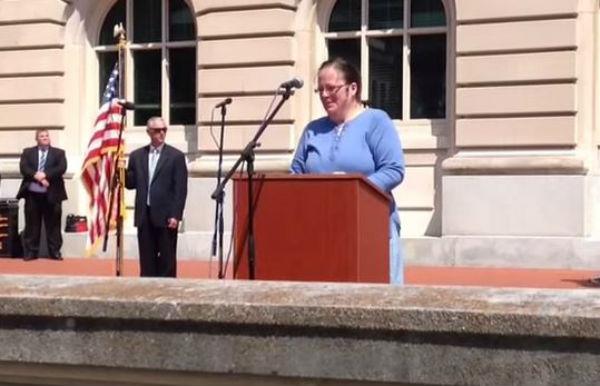 Usa: Corte Suprema ordina a funzionaria pubblica di sposare coppia gay nel Kentucky