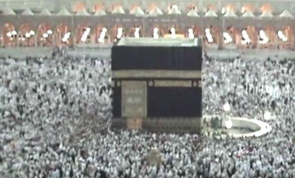 717 morti e 863 feriti tra i pellegrini alla Mecca travolti nella calca