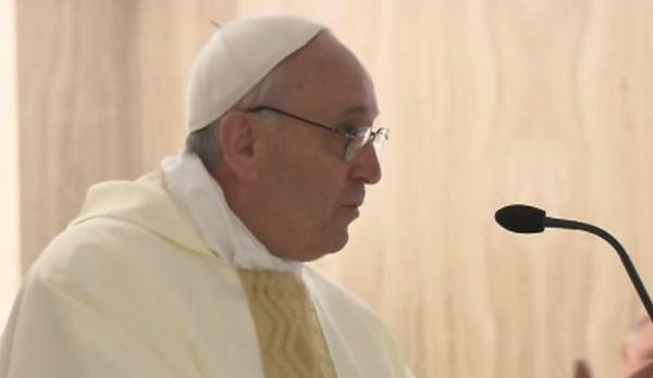 Il Papa incontra le vittime dei preti pedofili: Dio piange!