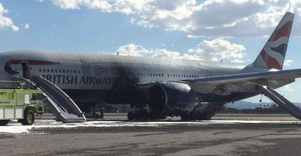 Aereo va in fiamme sulla pista di Las Vegas. 13 persone in ospedale. Diretto a Londra