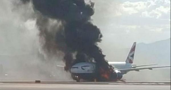 Autentico terrore sul Boeing finito in fiamme sulla pista di Las Vegas in fase di decollo
