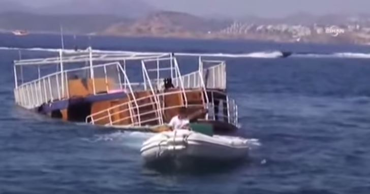 Migranti: 13 annegano in Turchia per scontro di un barcone con traghetto. 26 nelle acque della Libia