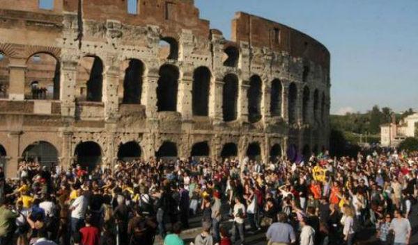 Ennesimo sciopero dipendenti del Colosseo, Fori e Ostia Antica. Turisti ignari e in attesa. Sindacato: il Governo non paga