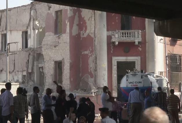 Egitto: uccisi autori attentato al Consolato italiano.Libia: smentita uccisione del capo degli scafisti.