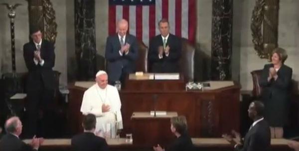 Il Papa al Congresso Usa parla di tutto, anche di temi scomodi come l'ambiente, le armi e l'immigrazione