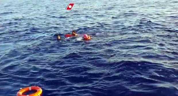 Migranti: migliaia recuperati nelle acque libiche. 26 annegati in Grecia. 20 salvati