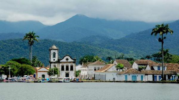 Brasile: strage di turisti per un incidente. Autobus si rovescia in zona impervia