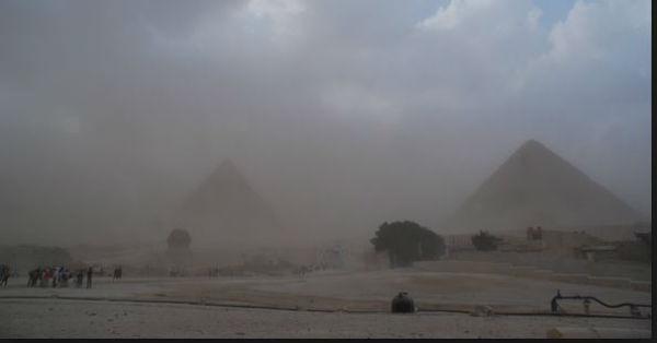 Violenta tempesta di sabbia in Medio Oriente. Ferma persino la guerra, ma provoca 12 morti e migliaia in ospedale
