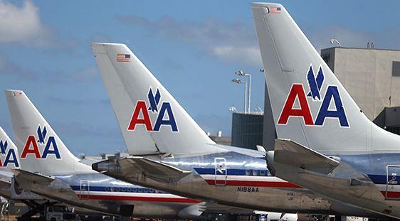 Pilota dell'American Airlines muore ai comandi dell'aereo tra Phoenix e Boston. Il copilota fa atterraggio di emergenza