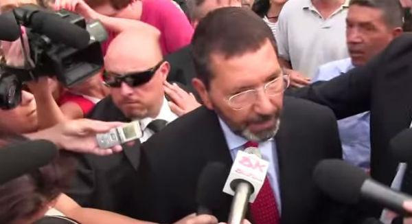 Roma: Marino presenta ufficialmente le dimissioni. Suo ultimo atto la presenza al processo Mafia Capitale