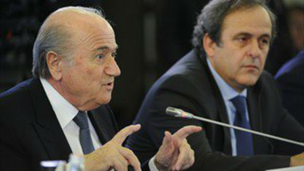 Fifa: Blatter sospeso provvisoriamente per 90 giorni dal Comitato Etico. Coinvolto anche Platini