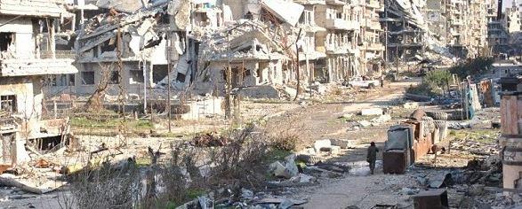 Siria: strage a Damasco. 47 morti per bombe su un mercato, mentre partono i colloqui internazionali