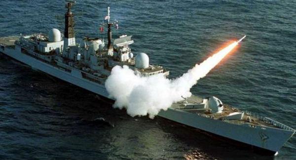Russia lancia missili contro l'Isis in Siria da 1.500 chilometri di distanza