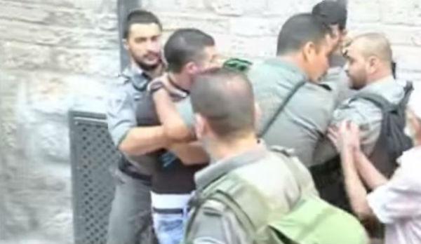 Gerusalemme: polizia uccide palestinese che ha ammazzato due israeliani