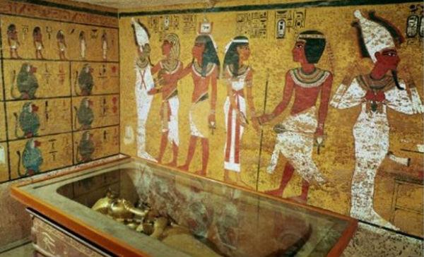 Egitto: eccezionale scoperta nella tomba di Tutankhamon. Potrebbe esserci sepolta anche Nefertiti
