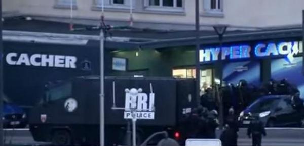 Parigi: assedio ai terroristi. 5 arresti. 4 morti di cui 3 jihadisti