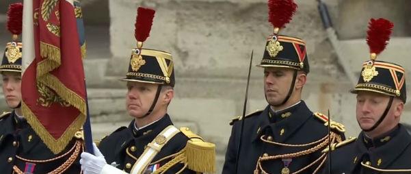 La Francia tutta si è fermata per le 130 vittime dell'Isis