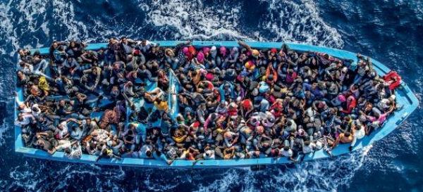 Migranti: battuto ogni record di arrivi in ottobre via mare. 210 mila in Grecia. 8 mila in Italia