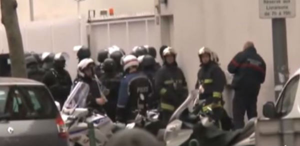 Notte di terrore a Parigi. Attacco dell'estremismo islamico. 60 morti. 100 persone sequestrate