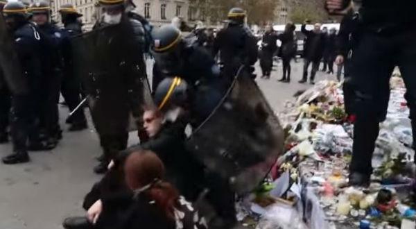 Scontri a Parigi per Conferenza sul clima. 100 arresti. Hollande: scandaloso