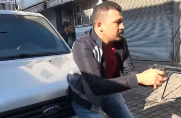 Turchia: ucciso famoso avvocato curdo. Morto anche un poliziotto e feriti molti giornalisti