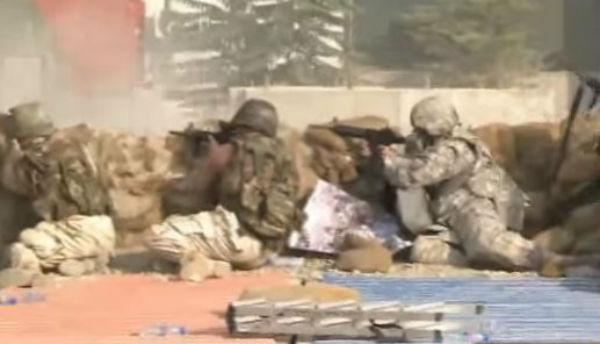 Kabul: l'attacco dei talebani nel quartiere delle ambasciate provoca almeno 10 morti