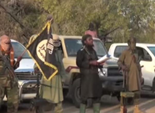 Lago Chad: tre attentatori suicida provocano 27 morti