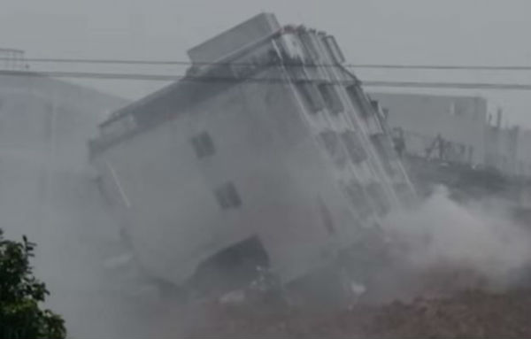 Cina: enorme frana travolge 30 edifici. Decine gli scomparsi