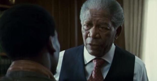 Morgan Freeman se la vede brutta per un atterraggio d'emergenza