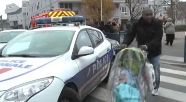 Parigi: nessuna aggressione Isis. L'insegnante si era ferito da solo e inventato tutto
