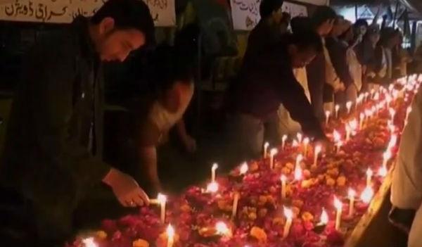 Pakistan: impiccati 4 talebani per la strage in una scuola che fece 150 morti