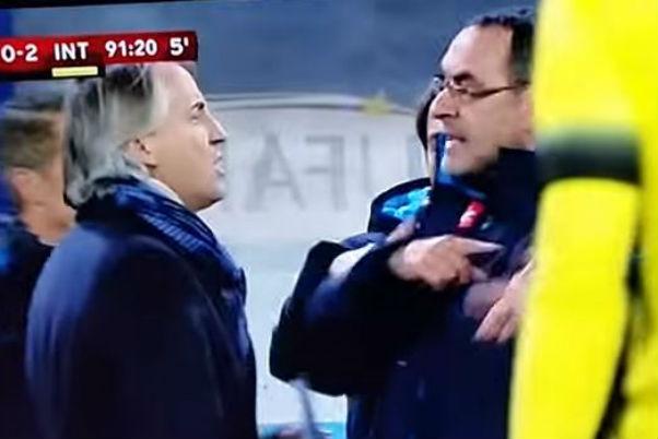 L'Inter espugna Napoli. Finisce in rissa tra Mancini e Sarri