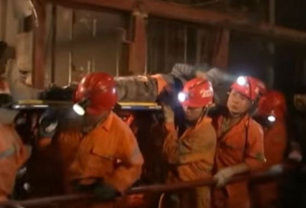 Cina: salvati 4 minatori sepolti per 36 giorni in miniera
