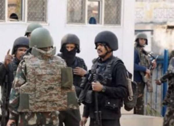 10 morti nell'assalto a università in Pakistan