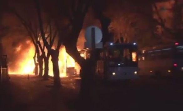 Turchia. 18- 20 morti per l'attacco ad Ankara contro i militari