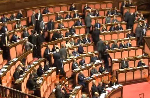 Unioni Civili: si del Senato. Con fiducia, ma senza le adozioni