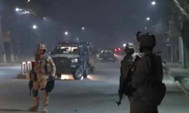 Afghanistan: uccisi 3 soldati e feriti 18 da attentatore suicida talebano