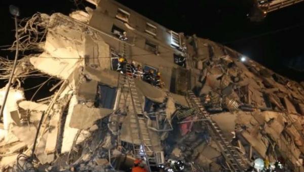 Terremoto a Taiwan: si continua a cercare tra le macerie. 117 dispersi. 36 i morti