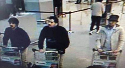 Bruxelles: due fratelli i kamikaze dell'aeroporto. Usa: non andate in Europa