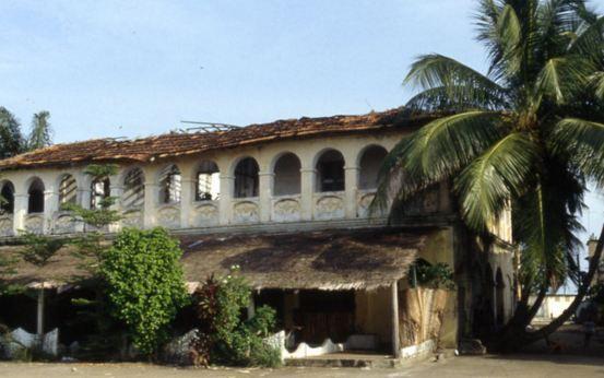 Costa d'Avorio. Attacco ai turisti. 16 morti. 5 europei