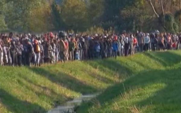 """Migranti: chiusa """"rotta Balcanica"""". Slovenia e Serbia serrano le frontiere"""