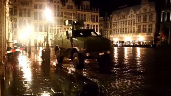 Bruxelles: stato d'assedio e scontro armato tra due uomini e la polizia