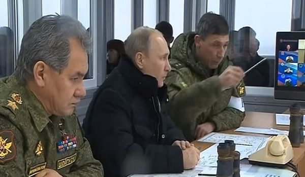 """Siria: Putin annuncia il ritiro del """"grosso"""" delle truppe russe"""
