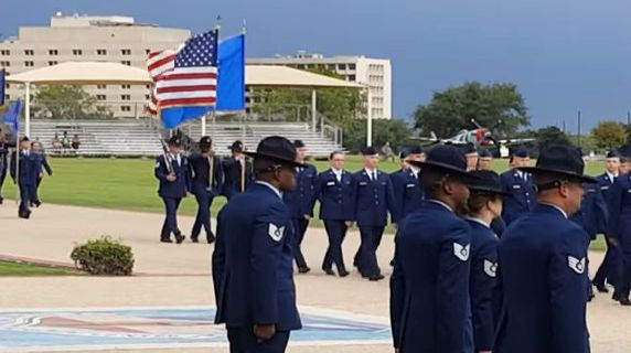 Texas: due morti per sparatoria in base aerea